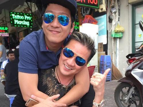 Ca sĩ Đàm Vĩnh Hưng và Trường Giang hội ngộ tại bar MTV