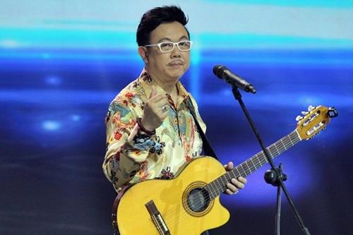 Danh hài Chí Tài biên tập và dàn dựng chương trình tại The V Show