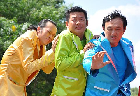 Các danh hài Hoài Linh, Tấn Beo, Chí Tài (từ trái sang)