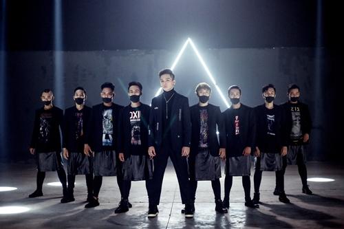 MV 'Em Đang Nơi Nào' phiên bản dance của ca sĩ Bạch Công Khanh