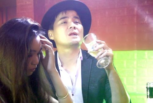 Hình ảnh trích trong MV 'Xóa mộ cuộc tình'