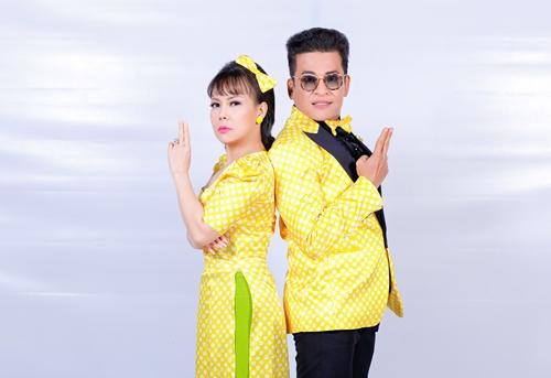 Nghệ sĩ Việt Hương và MC Thanh Bạch làm giám khảo Cặp Đôi Hà9i Hước mùa 2