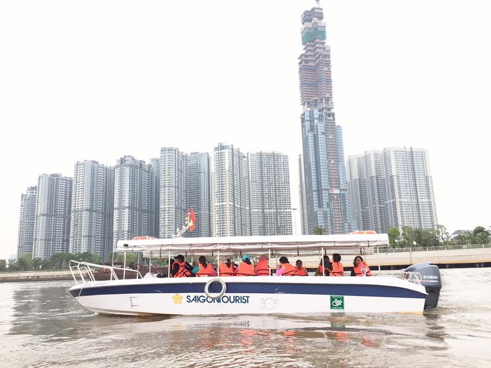 Cano cao tốc Saigontourist River phục vụ du khách tham qua sông Sài Gòn