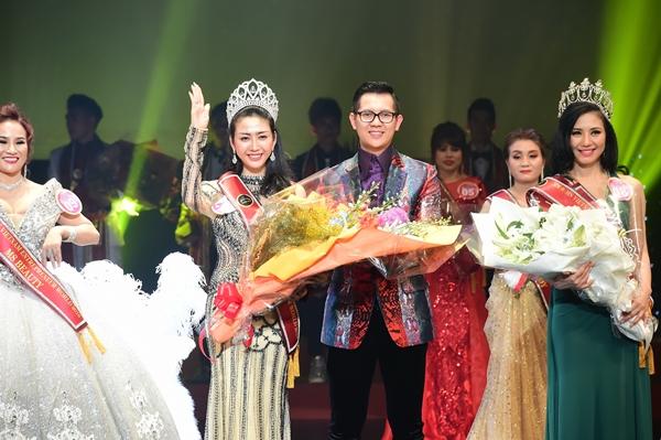 Phút đăng quang của Hoa hậu Võ Nhật Phượng