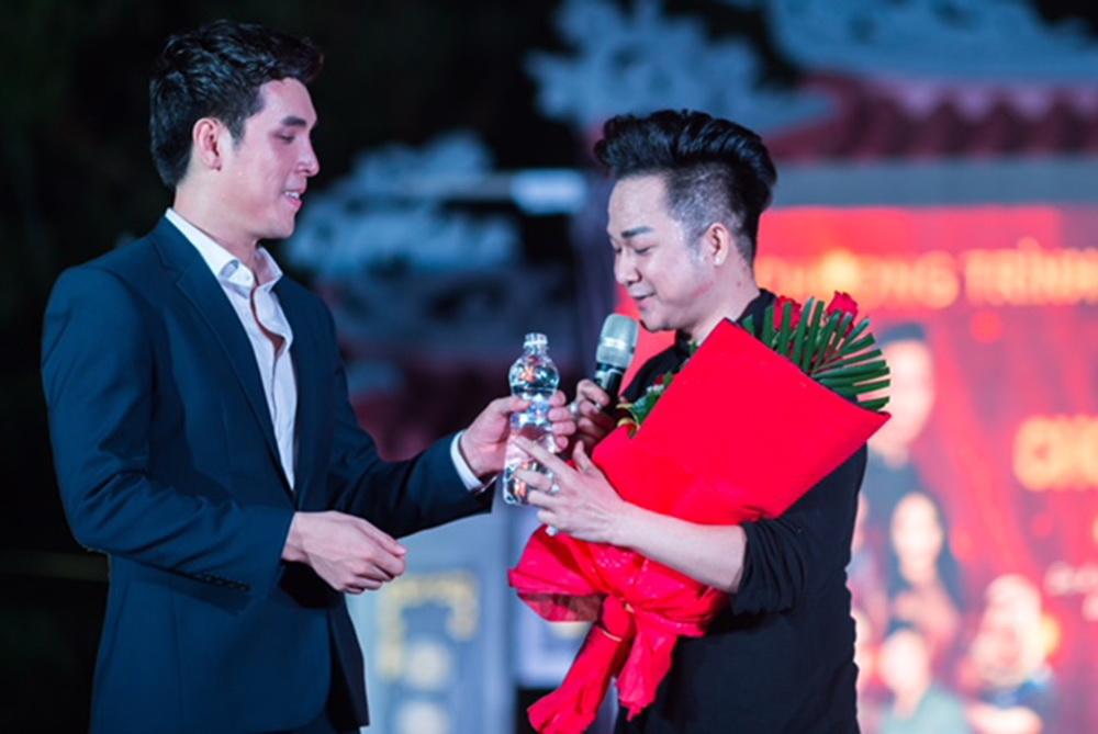 Hoang phi kha 2018 12