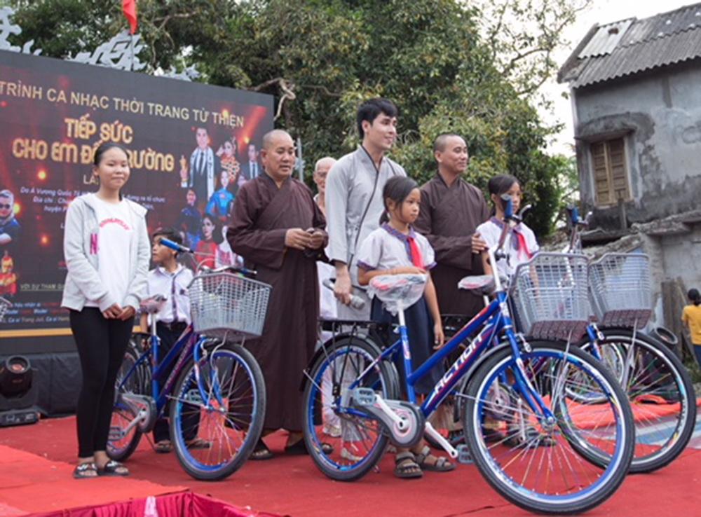Hoang Phi Kha 2018 5
