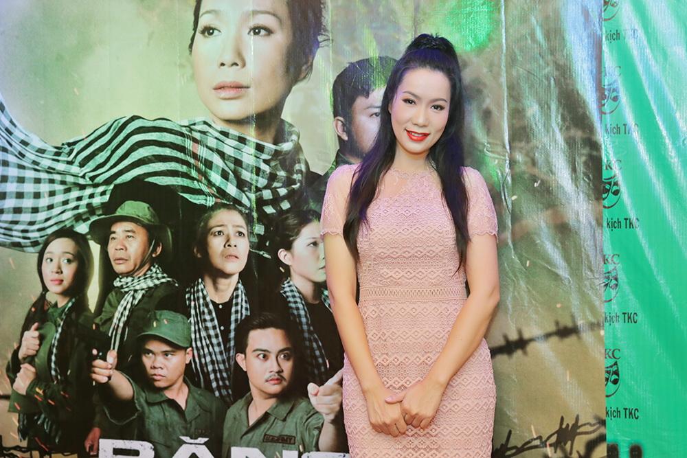 Á hậu Trịnh Kim Chi mở tiệc hoành tráng ăn mừng chiến thắng