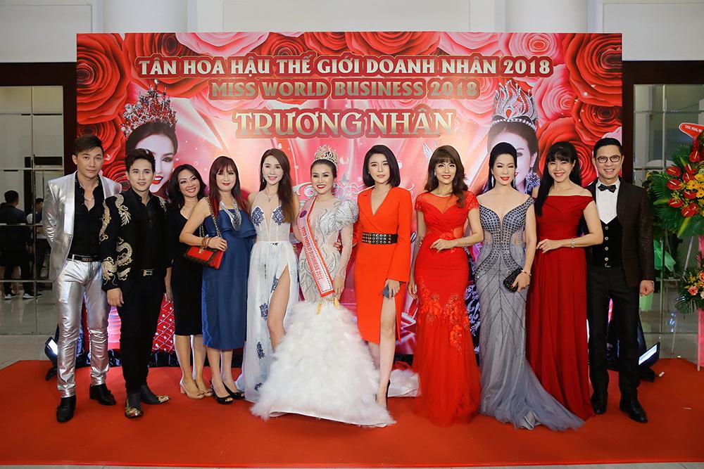 Nguyên Vũ cùng rừng sao Việt dự Thank Party của Hoa hậu Trương Nhân