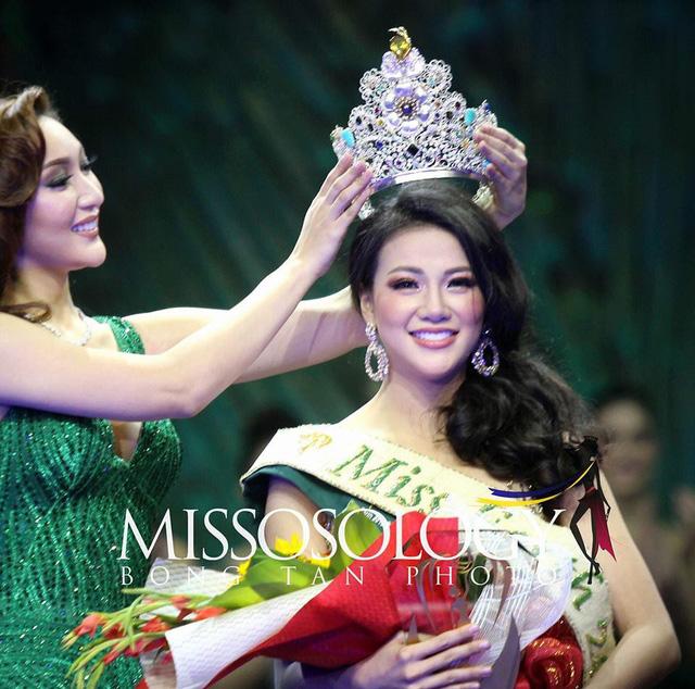 Lần đầu tiên, đại diện Việt Nam đăng quang 1 trong 5 cuộc thi nhan sắc lớn nhất thế giới