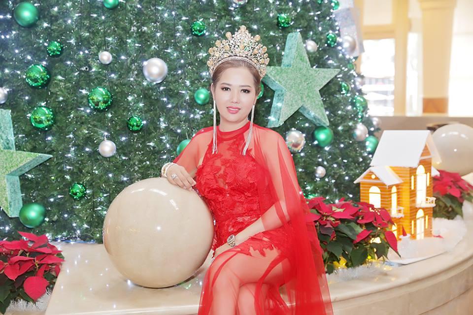 Nữ hoàng trí tuệ Vương quốc Anh Thạch Hoa đón Giáng sinh tại khách sạn 5 sao