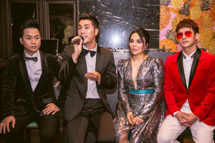 Hoàng Phi Kha và Mai Phương Trang tại buổi họp mặt nghệ sĩ công bố cuộc thi