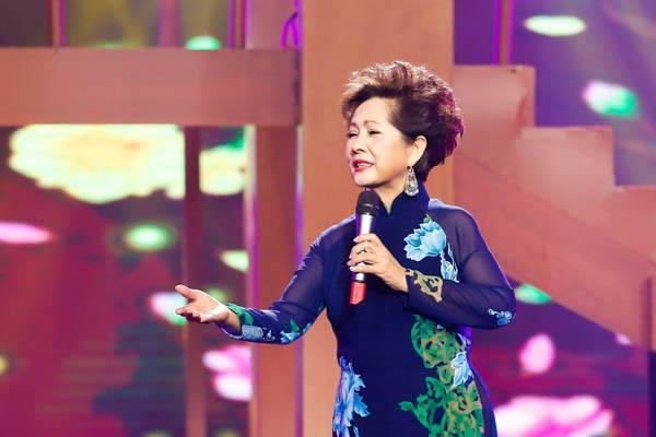 Nữ danh ca Phương Dung