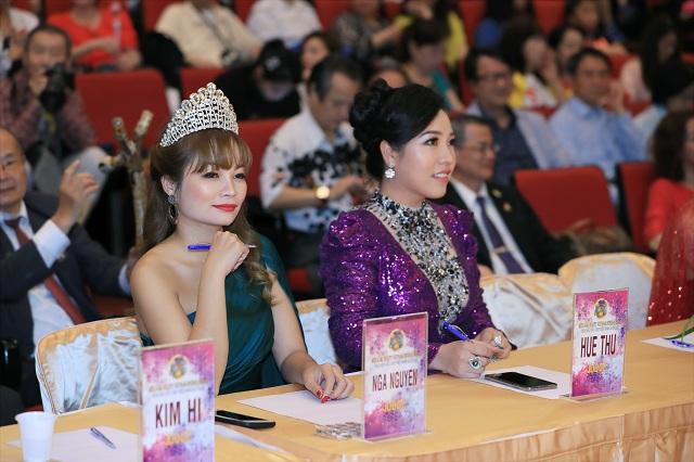 Á hậu Huệ Thư hoàn thành xuất sắc vai trò giám khảo cuộc thi Hoa hậu Sắc đẹp Việt Nam Quốc tế 2019