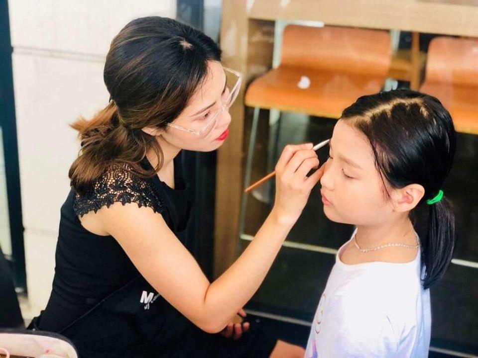 Makeup 6