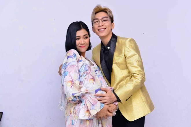 Vợ chồng trẻ Hà Nhi - Tăng Phúc