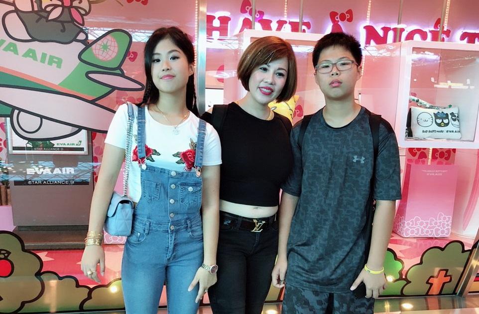 Hoa hậu Châu Mai Thảo cùng 2 con đi làm thiện nguyện tại Đài Bắc