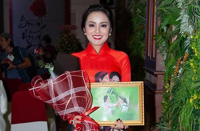 Hoa hậu Đại sứ quý bà Amy Lê Anh