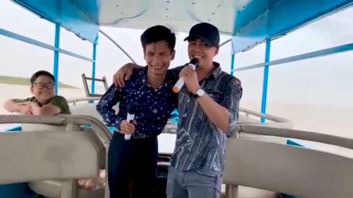 Xuân Hòa hội ngộ với ca nhạc sĩ Võ Hoàng Lâm trên du thuyền tại Hồ Trị An