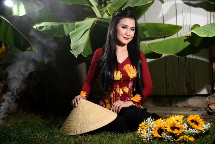 Sống ở Mỹ hoa hậu Bella Phương Phạm vẫn giữ những nề nếp truyền thống Việt Nam
