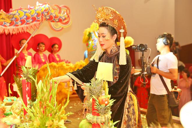 NSƯT Trịnh Kim Chi tự tay chuẩn bị mọi thứ cho ngày giỗ Tổ