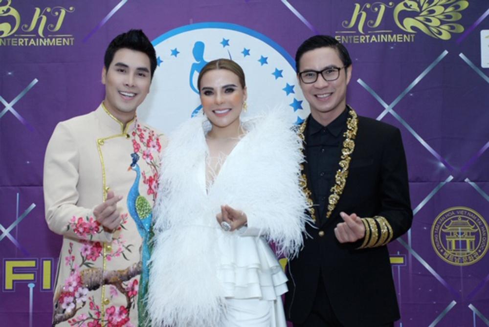 Á vương Hoàng Phi Kha, NTK Mai Phương Trang và MC Anh Quân