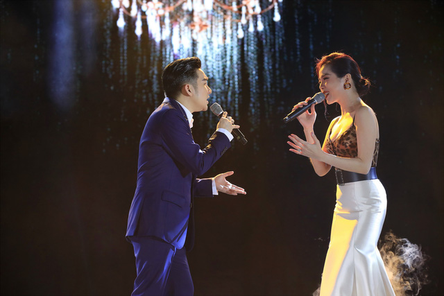 Quang Hà và Lệ Quyên trong đêm diễn