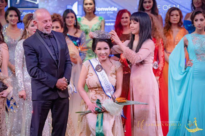 Khoảnh khắc đăng quang Á hậu 2 của Tina Thư Trần