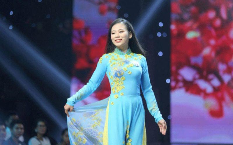 20 thí sinh Đại học Gia Định lộng lẫy trong BST Mai vàng Tết Việt của NTK Việt Hùng