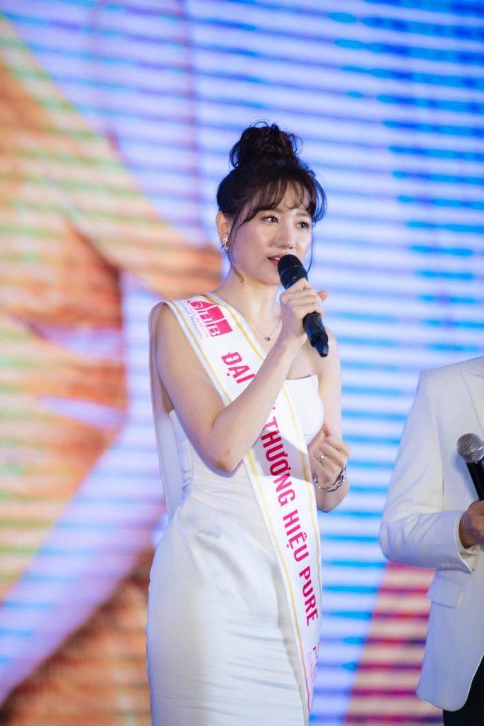 Ngoc Trinh Hari Won 5