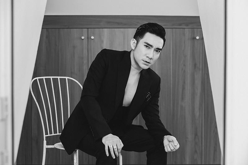 Ca sĩ Quang Hà trong MV mới
