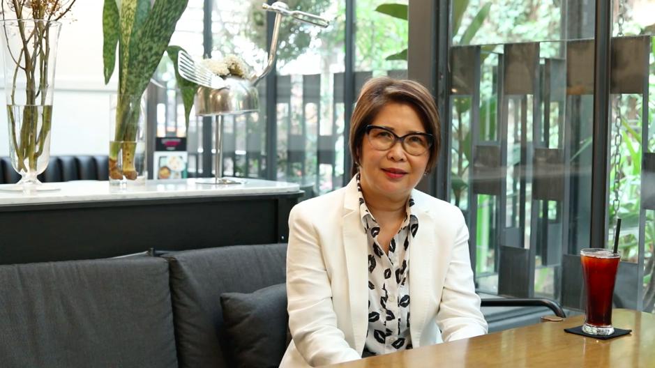 Bà Pornsiri - đồng sáng lập Greyhound Café