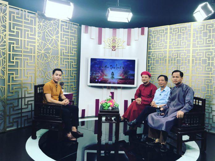 MC Tiến Hoàng dẫn chương trình Văn hóa Tâm linh Việt