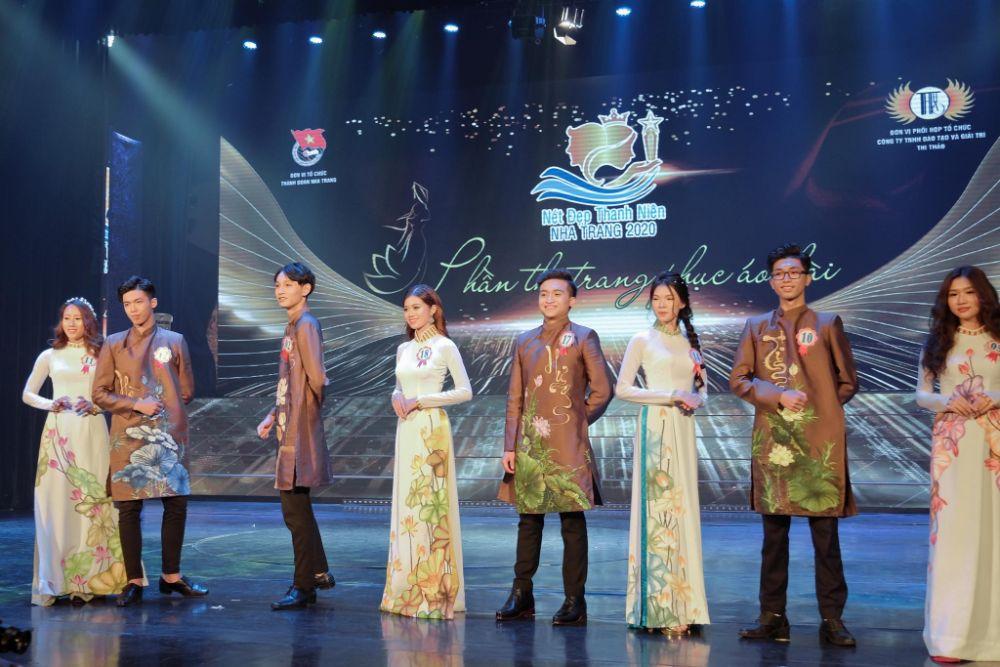 Các thí sinh Nét đẹp Thanh niên Nha Trang  rạng rỡ trong đêm chung kết
