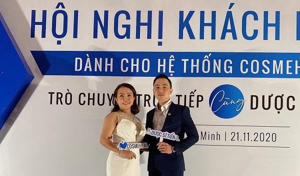 Với tư cách Tổng Phân Phối của hệ thống Cosmeheal, doanh nhân Vân Nguyễn xuất hiện lộng lẫy tại hội thảo