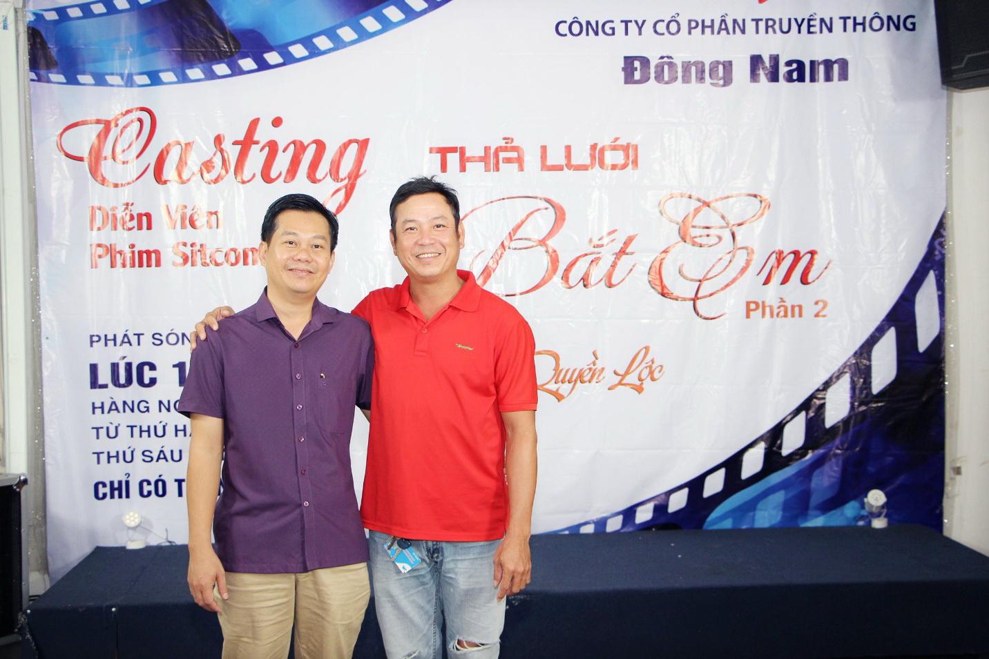 Đạo Diễn Quyền Lộc (áo đỏ) và Giám đốc sản xuất – ông Đặng Thanh Nam trước giờ casting