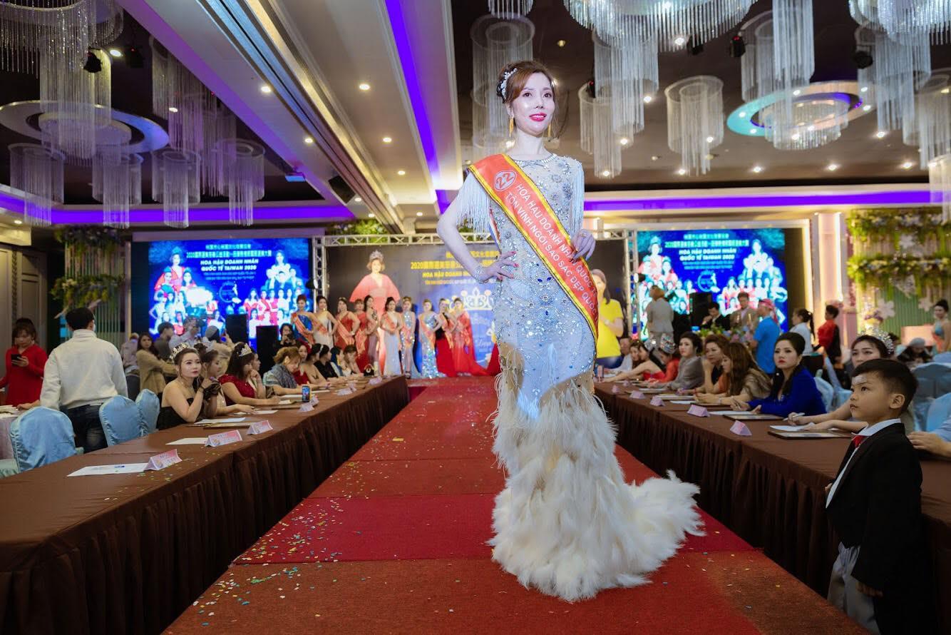 Người đẹp Nguyễn Thị Lan đoạt giải Á hậu 2 tại cuộc thi Hoa hậu Doanh nhân quốc tế Taiwan 2020