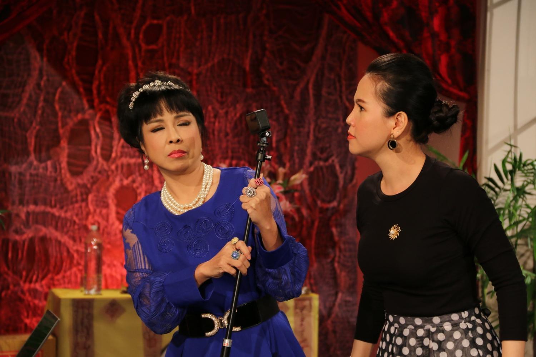 Diễn viên Trúc Thy (phải) trong kịch Chuyện Bốn Mùa